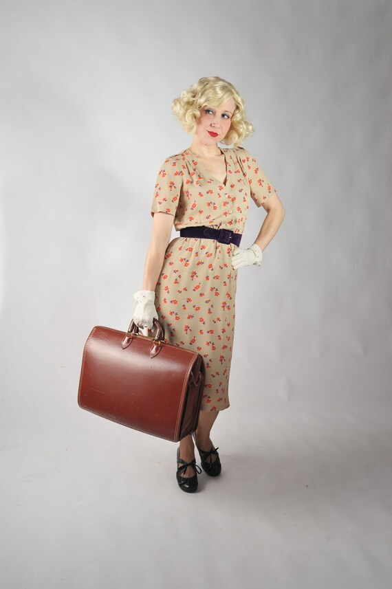 Vintage 1970s Dress // Taupe 70s does 40s Floral Day Dress