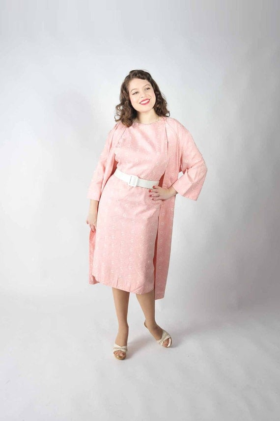 Vintage 1950s Dress Set // Pink and White Sophisticated Embroidered Pink Linen Dress with Duster XL