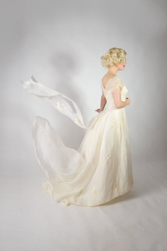 Vintage 1950s Wedding Gown // Exquisite Julian Martin Wedding Couture Organza Gown with 3-D Flower Bouquets