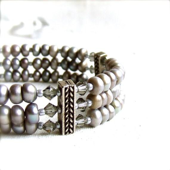 Grey Beadwork Pearl Bracelet Three-Strand Sterling Silver Beach Fashion Jewellery