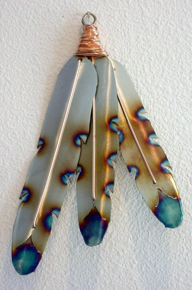 Native american indian style metal feathers steel wall art for Native crafts for sale