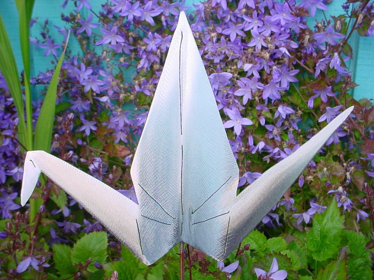 Japanese asian metal origami crane lawn decor steel yard art for Lawn and garden decorative accessories