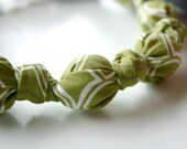 ORGANIC Olive Trellis Chomping Necklace for Babies