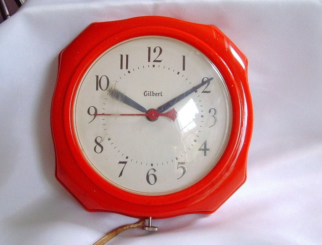 Vintage Red Retro Kitchen Wall Clock Electric Gilbert