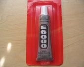 E6000 Adhesive 0.5 oz Tube. Great for all your craft needs
