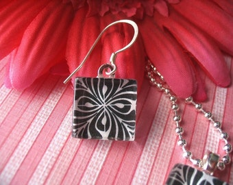NEW...50 EARRING SIZE GLASS PENDANTS...GREAT FOR TINY PENDANT NECKLACE OR RING.