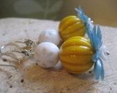 Acrylic Flower Earrings, dangle earrings, Vintage Lucite Beads, Boho, funcky style. Blue Echo