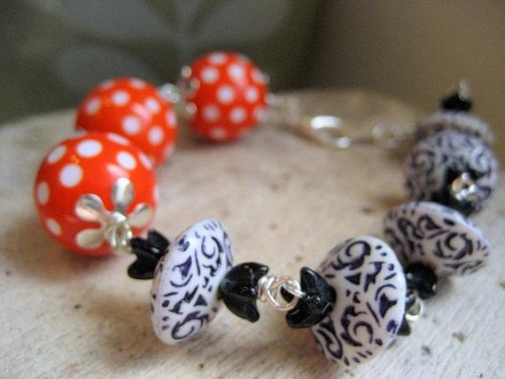Nautical bracelet, wire srapped bracelet, mad men style bracelet, patterned vintage bead bracelet.