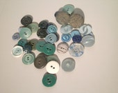 Vintage Buttons - Assorted Green Buttons - Plastic Buttons - Craft Supply - Sewing Supply - G201