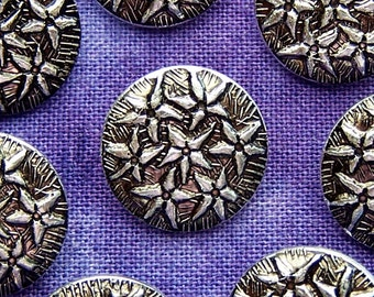 Little Flowers Metal Buttons 14mm - 1/2 inch Petite Silver Edelweiss Flowers - 8 VTG Wish Upon a Star Silver Tone Vintage Shank Buttons MT47