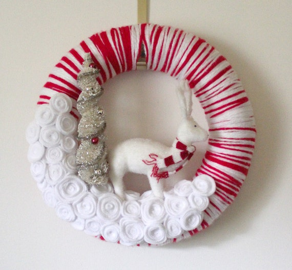 Peppermint Deer Wreath, Red and White Yarn and Felt Wreath, 14 inch size