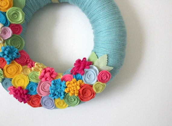 Tropical Summer Wreath, Bright Aqua Yarn and Felt Wreath, 12 inch size