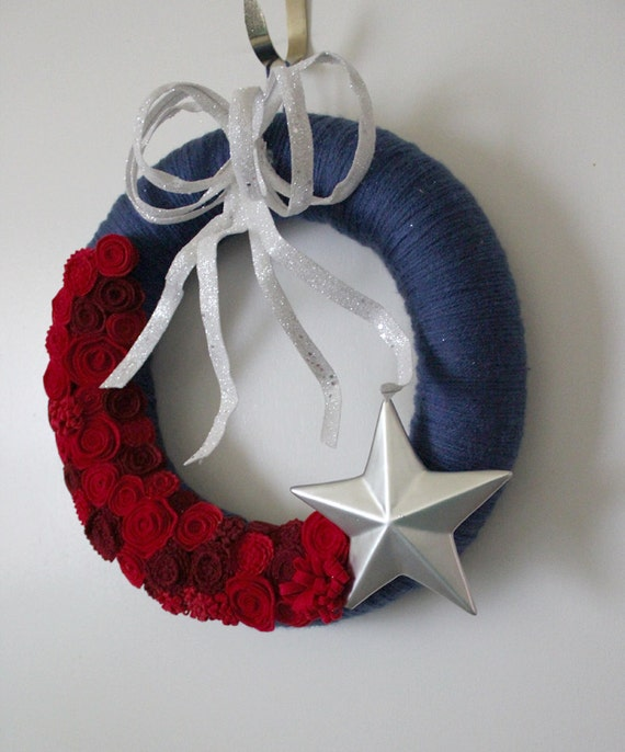 July 4th Wreath, Red White and Blue Wreath, Star Wreath, 14 inch size
