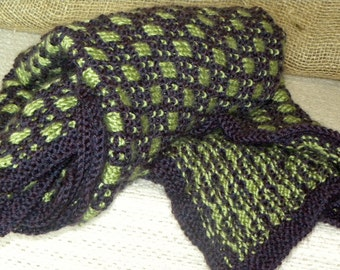 Snunny in Eggplant Purple and Limey Green (Baby Blanket)
