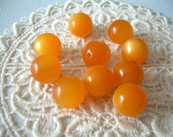 Vintage Moonglow Lucite Beads Orange Pumpkin 11 mm - 10