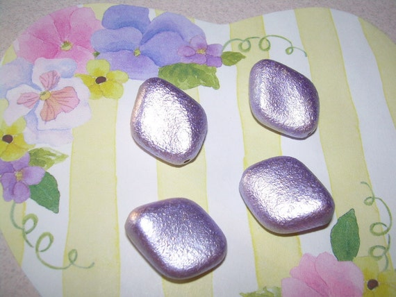 4 Vintage Lucite Beads Lilac Purple Kite Shaped