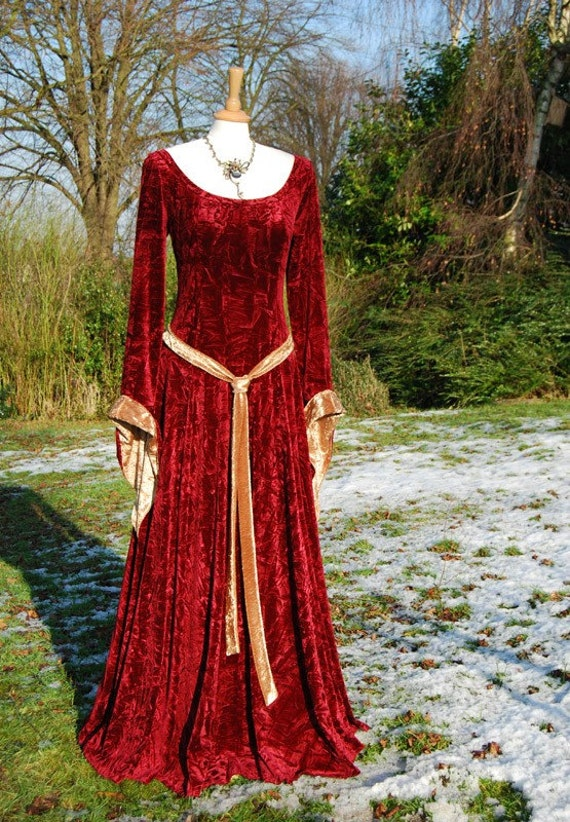 medieval gown lotr dress celtic pagan available in sizes 8 to