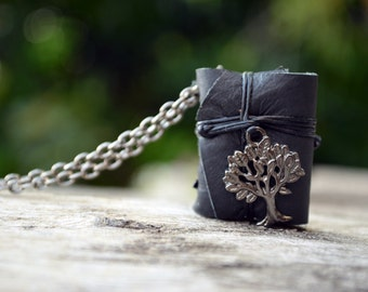 MiniatureBook Necklace Tree Black & Black leather