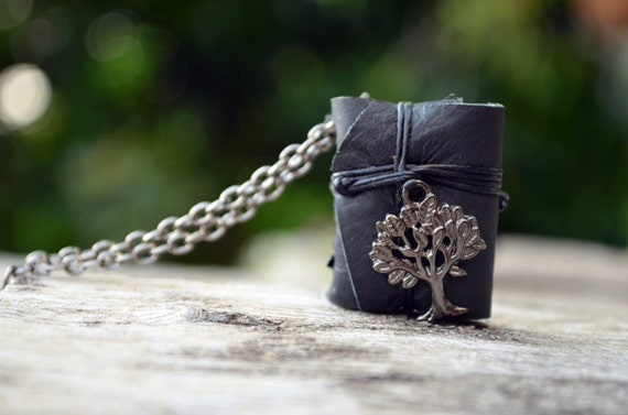 MiniatureBook Necklace Tree Black & Black leather