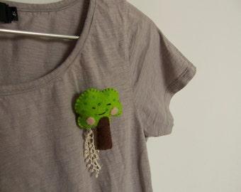 Trippy tree - brooch