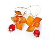 Honeycomb -- Dangling earrings with chalcedony and carnelian