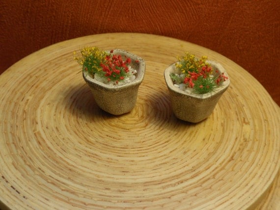 12th scale two beautiful hand painted hexagonal tiny pots with tiny flowers