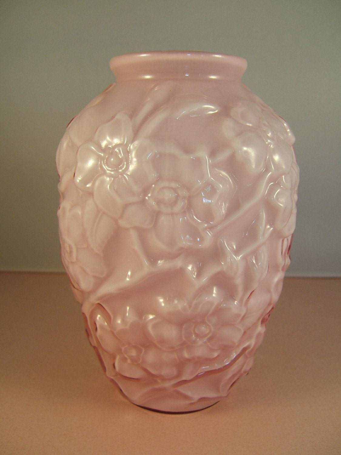 Vintage Fenton Pink Glass Dogwood Vase Art Glass Vase Pink