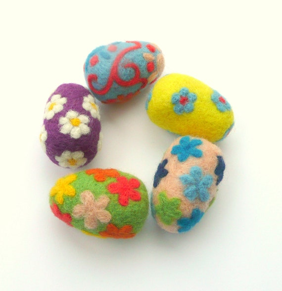 Felted Easter eggs 5 wool handmade magic whimsy ornaments decorations decor waldorf children toy flowers yellow green blue purple Valentines