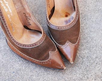 CLEARANCE vintage 50s High Heels - 1950s Spectatpr Shoes - Brown Wingtip Pumps Sz 5 36