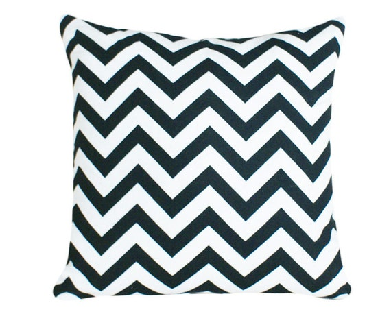 Black White Chevron Pillow, Modern Accent Pillow, Decorative Throw Pillows, CYBER MONDAY SALE, 18x18