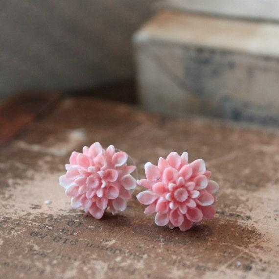 BUY 1 GET 1 FREE - Chrysanthemum Stud Earrings in Powder Pink