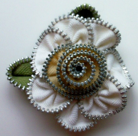White and Mellow Yellow Floral Brooch / Zipper Pin by ZipPinning 2186