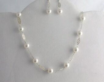 Swarovski Pearl Necklace Set. Listing 34305647