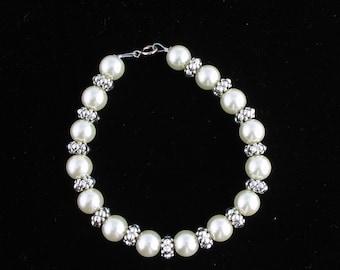 Glass Pearl Bracelet. Listing 40074012