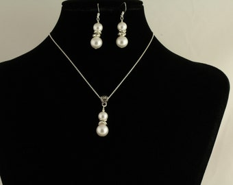 Glass Pearl  Necklace Set. Listing 78164525