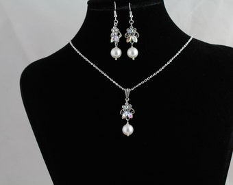 Pearl and Rhinestone Pendant Set. Listing  94818682