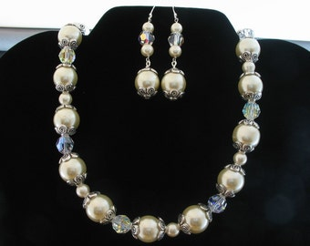 Glass Pearl and Crystal Necklace Set. Listing  25953884
