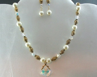Bridal Pearl and Crystal Necklace Set. Listing  26719650