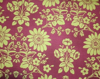Robert Kaufman, New Traditions in Bordeaux and Olive (6878-120) - 1 Yard Clearance