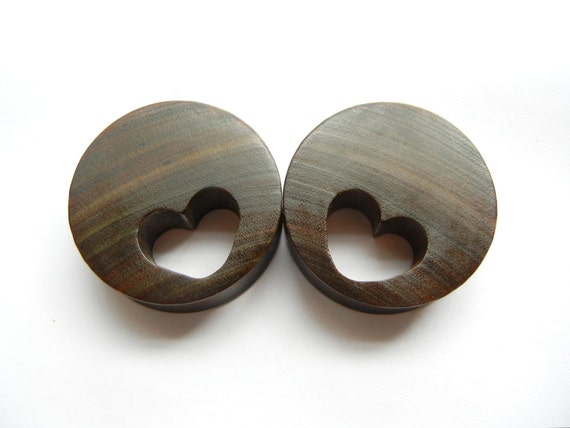 40 mm ebony heart cutouts reserved for Anneleen