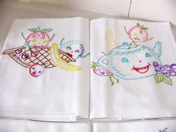 Vintage Cotton Hand Embroidered Spring Dish Tea Towels Set Of