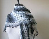 EXPRESS DELIVERY, Shawl Grey Ivory Colors Handmade winter fashion.