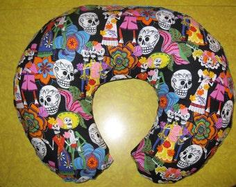 Los Novios Muertos Posada print Nursing Pillow Cover