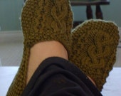 Aran Isle Slippers Knitting Pattern (PDF)