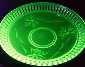 Green Depression Glass Etched Fruit Bowl Floral Reticulated Cut Flower