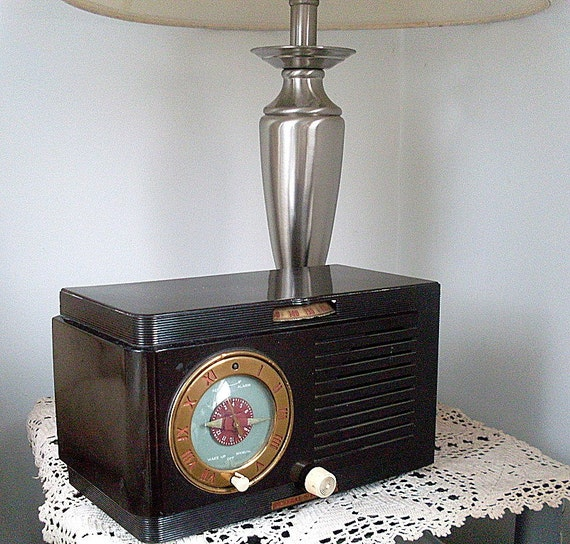 GE Tube Alarm Clock Radio Bakelite Brown General Electric