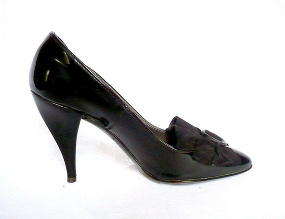 XAVIER French Vintage Black Leather High Heels With Suede Bow