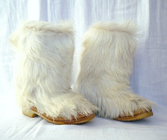 ISBA French Vintage Off White Fur Winter Boots