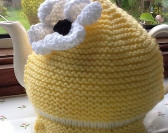 Pale Yellow Knitted Daisy Tea Cosy/Cosy
