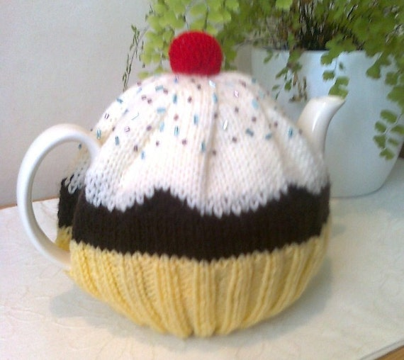 Yellow Cupcake Tea Cosy